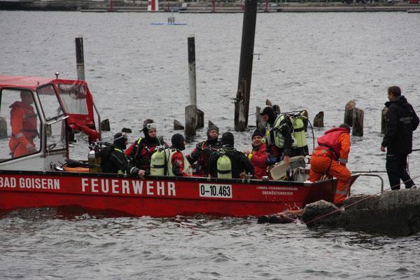 Suche nach vermissten Ruderer am Traunsee